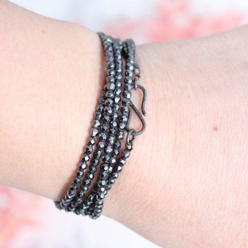hæmatitperlekæde vikles som armbånd