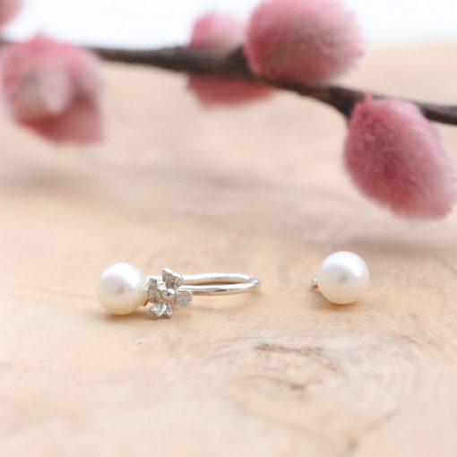hvide runde ferksvandsperle charms til montering på øreringe