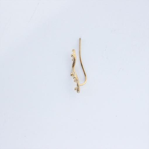 lærkegren earclimber forgyldt sølv set fra siden af