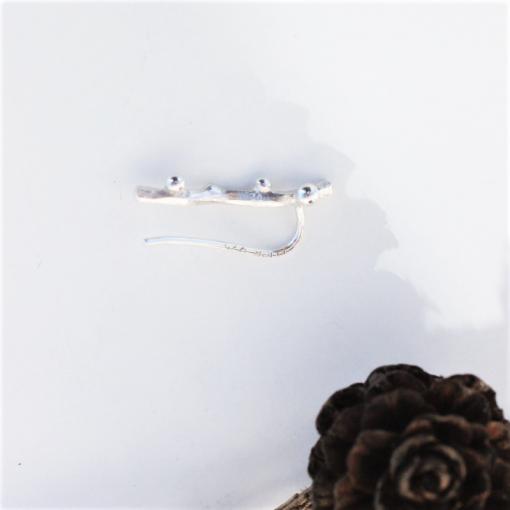 Kort ærkegren earclimber i sølv set fra siden