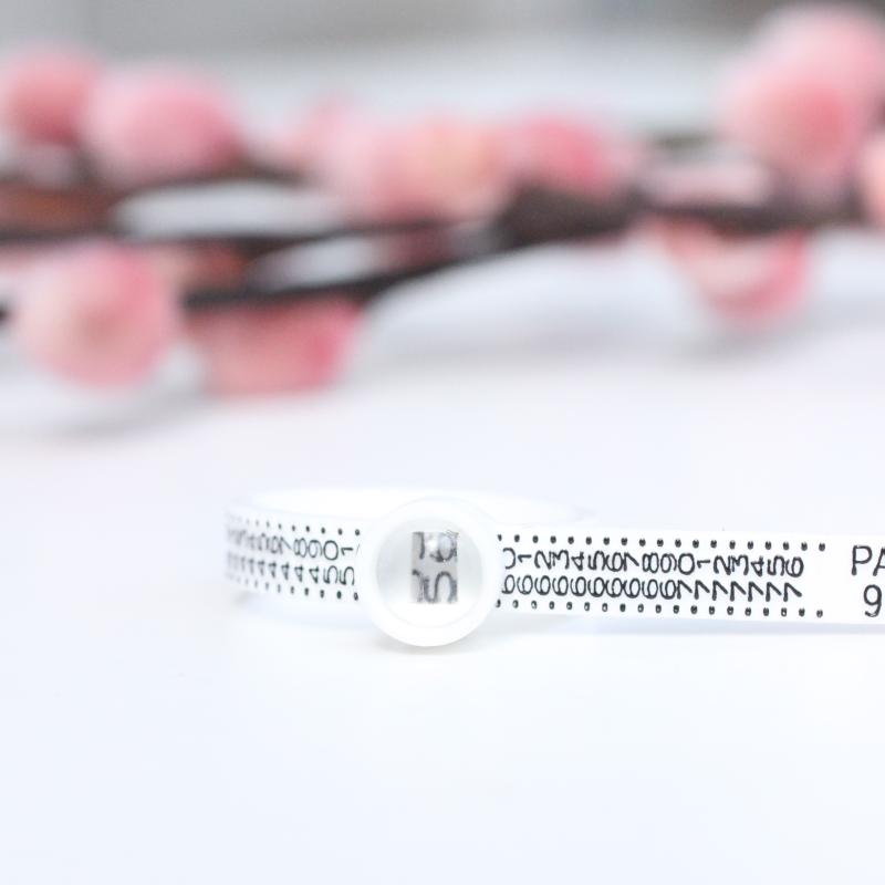ringmåler du selv kan måle dine ringstørrelser. Kan bruges igen og igen